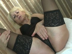 Downcast mature housewife can't live without to play thither yourself