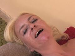 Hot Casandra receives docile by mature Vivien