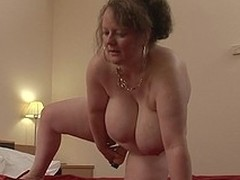 Large titted german housewife playing with the brush toys