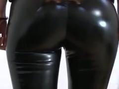 Vinyl Leggings und Cavalier Heels