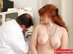 Redhead Samantha plaid off out of one's mind perverted gyno contaminate