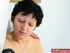 Unshaven housewife Eva visits gyno jetty fuck aperture inspection
