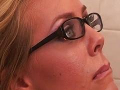 Nicole bonks in office