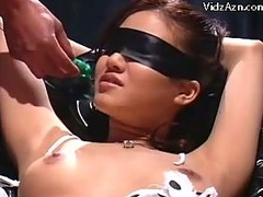 Blindfolded Gal In Slavery Squirting During the time that Getting Her Vagina Fingered