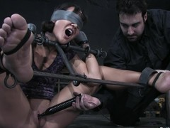 Jandi Lin acquires blindfolded paired not far from toyed hard not far from large vibrator