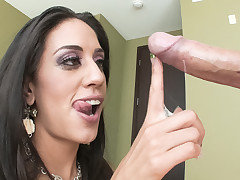 Lyla Battering nearly drowns on a sea be proper of cum after engulfing rod